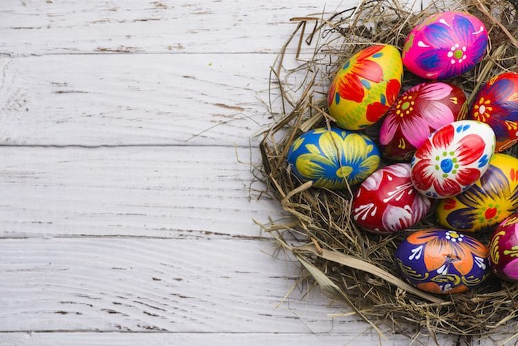 イースターを祝う「イースターエッグ」という習わし 卵の孵化を復活に見立てるという説がある