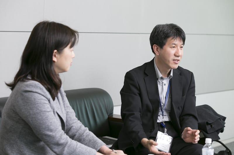 左から全日空商事 早川氏、今本氏