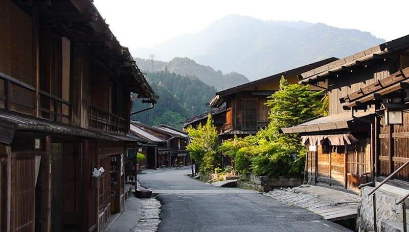 妻籠©japan-guide.com
