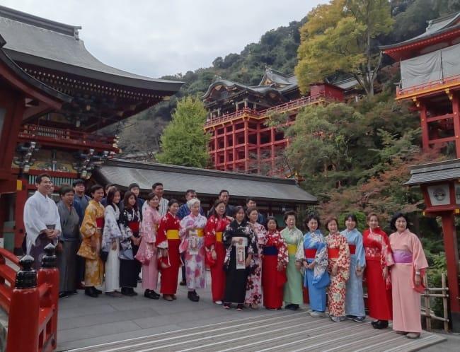 祐徳稲荷神社に訪れたタイの旅行団体