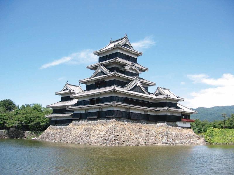 ▲近年、松本城は訪日外国人に人気