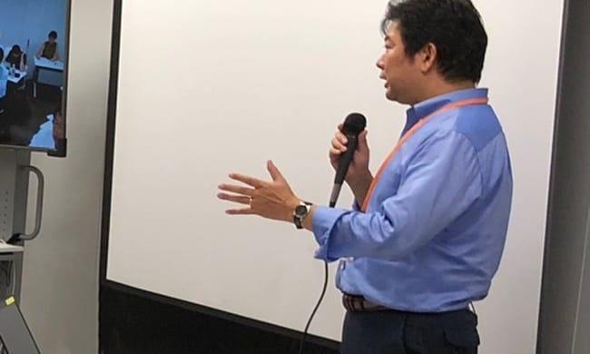 EDASセミナーで講演をする高橋氏。10年以上にわたり外国人政策の啓発活動に携わってきた