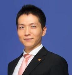 「行政書士明るい総合法務事務所」代表・長岡由剛氏