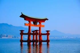 インバウンド人気観光地ランキング4位「厳島神社」の人気の理由・インバウンド対策とは